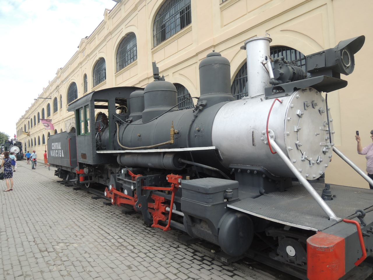 An old locomotive at the former Havana train station.  The building is now full of booths selling tourist stuff.  Agressively.