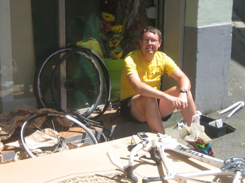 Tom & busted bike in Bagnères-de-Bigorre.