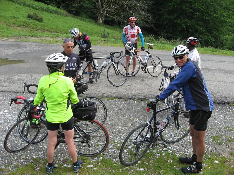 Linda, Wayne, Don, Barry, Werner & Mesfin at Col de Marie-Blanque.