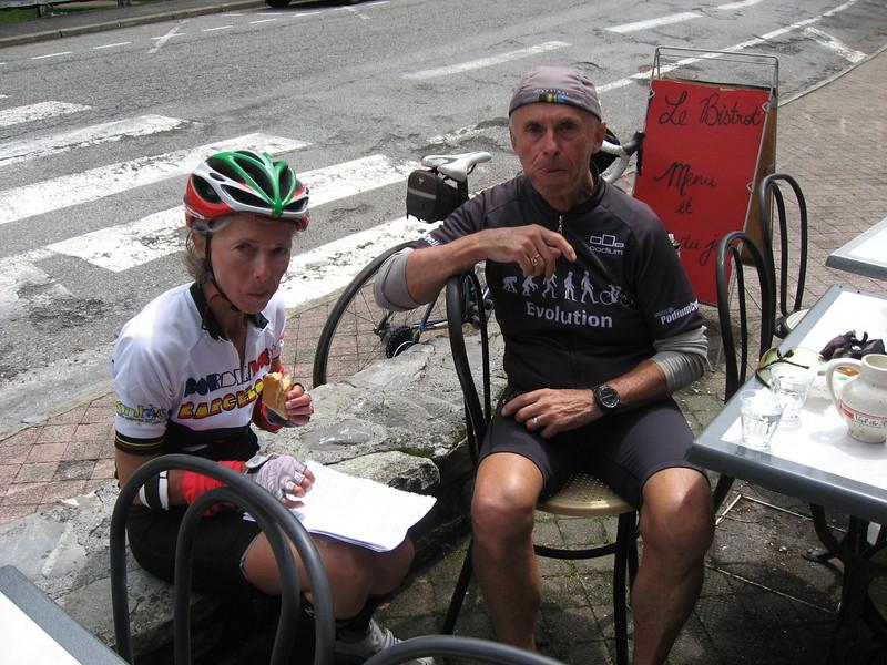 Lori & Wayne stopped for a quick snack in Eaux-Bonnes.