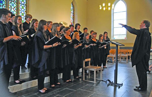 Full choir with their Director, Geoffrey Webber.