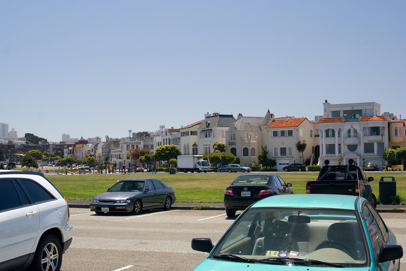 Some of the beautiful big houses right across the road from the water. They must have quite a view.