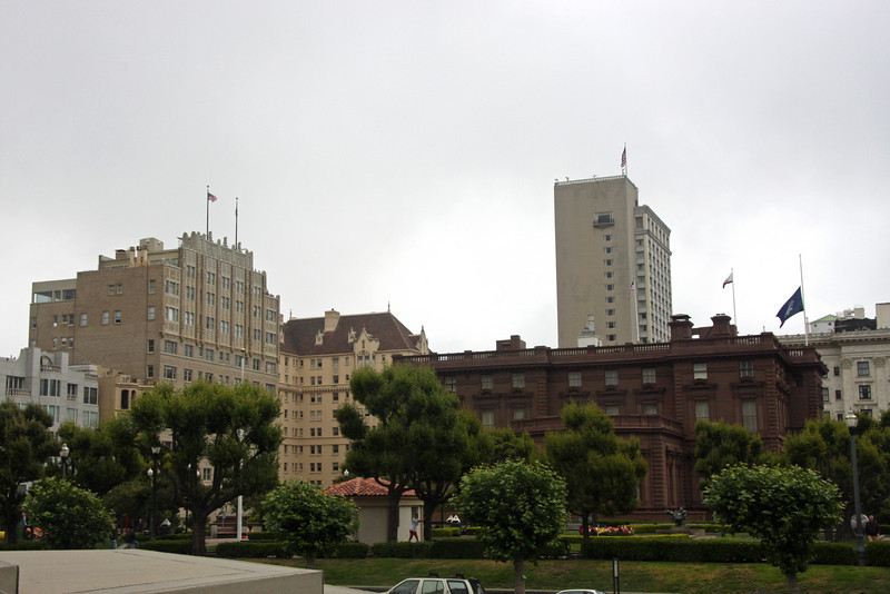 <b>Pacific-Union Club</b> is a private social club at the top of Nob Hill. It was founded in 1889 as a merger of two earlier clubs: the Pacific Club (founded 1852) and the Union Club (founded 1854).<br> <br> The clubhouse was built as the home for the silver magnate James Cair Flood and is a Flood Mansion. It was designed by Willis Polk. It is considered the first brownstone constructed west of the Mississippi River. Along with the Fairmont Hotel across the street, these were the only structures in the area to survive the San Francisco earthquake and fire of 1906.<br> <br> This club figured prominently in the history of the west coast of the United States. Many prominent citizens have been active among its membership. To this day, the club's membership is open to men only.  [B]