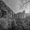 Yosemite - Bridal Veil Falls in Autumn