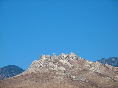Jaggedy mountains by the Mojave Desert
