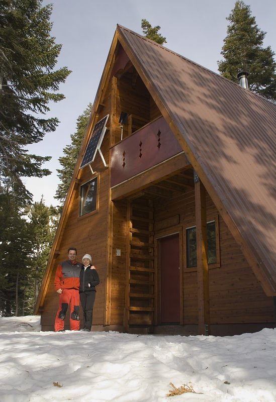 """The """"new"""" Bradley hut is located in the upper Pole Creek basin. It accomodates 15 overnight visitors. Between 1996 - 1998, the Sierra Club had to move the """"old"""" Bradley hut to this new location, as the boundary in the Five Lake Basin region was redefined."""