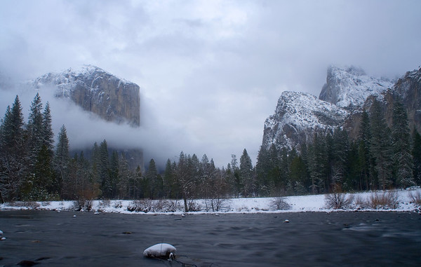 Back at Yosemite Valley: El Capitan and Sentinel Rocks.