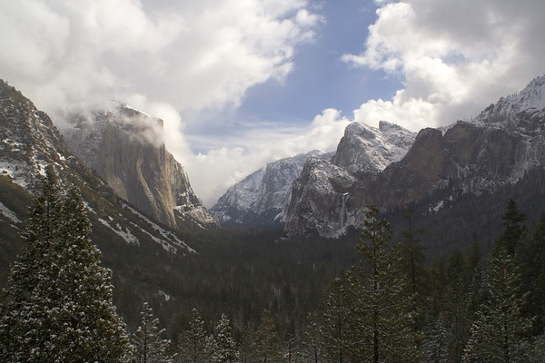 View of Yosemite Valley from Tunnel viewpoint.