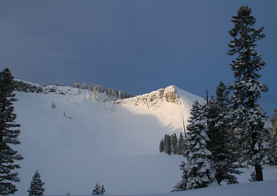 Sunrise over Ostrander Cirque.