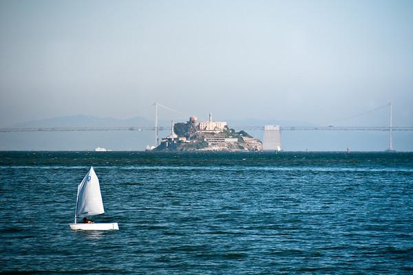 Alcatraz - Viewed from the Spinnaker Restaurant in Sausalito Alcatraz - Vu à partir du restaurant Spinnaker à Sausalito