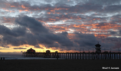 Huntington Beach Pier, California December 17, 2007 Camera: Nikon D80  Lens: Tamron SP AF 17-50mm f/2.8 XR Di-II LD Asp IF