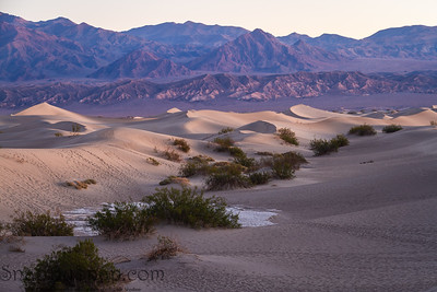 Sand dunes in Death Valley near stovepipe wells