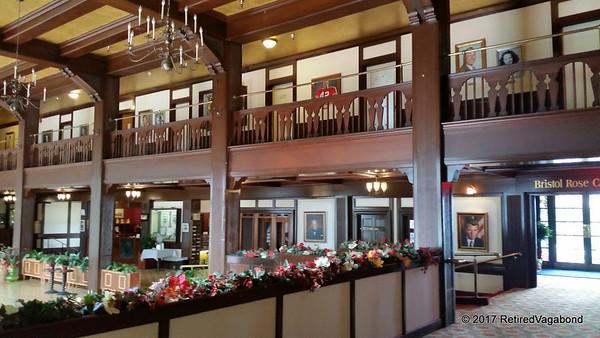Historic Eureka Inn - Lobby