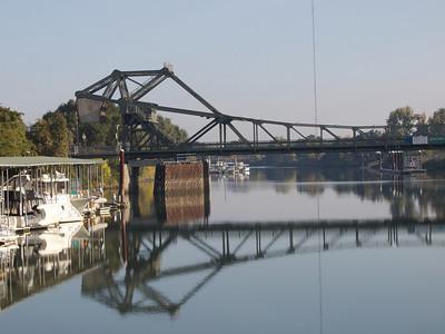 Walnut Grove Bridge, Sacramento River  Copyright 2011 Neil Stahl