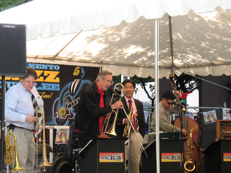 Bob Havens and the Fulton Street Band. Image Copyright 2008 by DJB.  All Rights Reserved.