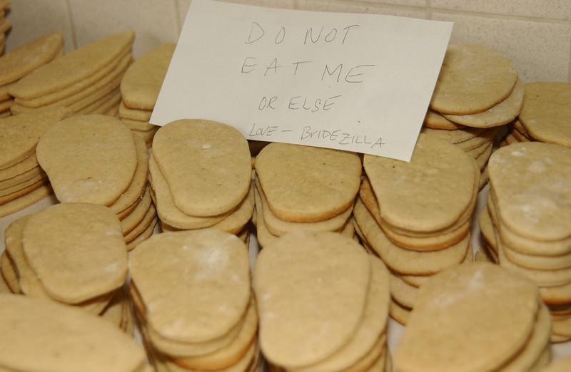 """Note on the good cookies from """"Bridezilla""""!!"""