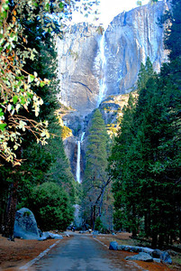 Path leading to Lower and Upper Yosemite Falls