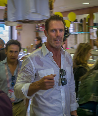 Mario Cipollini walks into a bar, and all eyes shift.