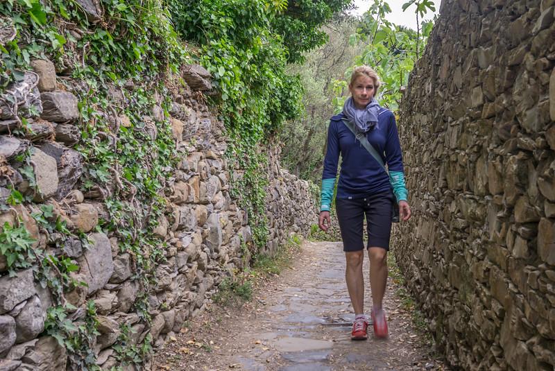 Hiking from Vernazza to Corniglia in Cinque Terra