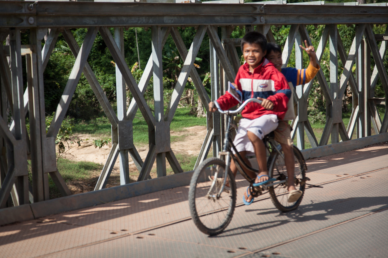 Unfortunately, autofocus found the bridge rather than the boys on the bicycle.