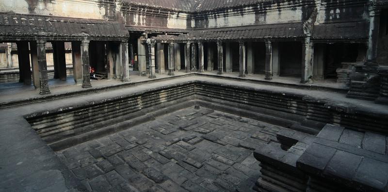 Angkor Wat pool