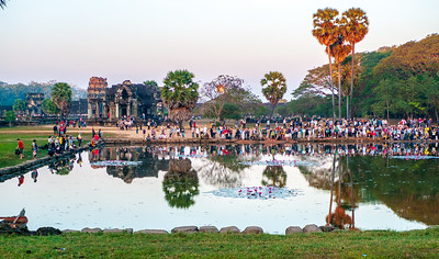 Angkor Wat: Some of the 7,000 people a day