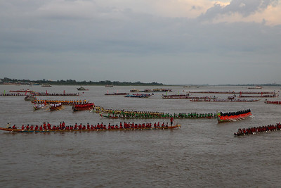 295 dragon boats with over 19,000 oarsmen took part in this year's Water Festival in Phnom Penh; I decided to get up close and personal with some of the teams
