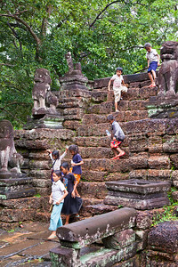 Kids in the ruins at Preah Khan