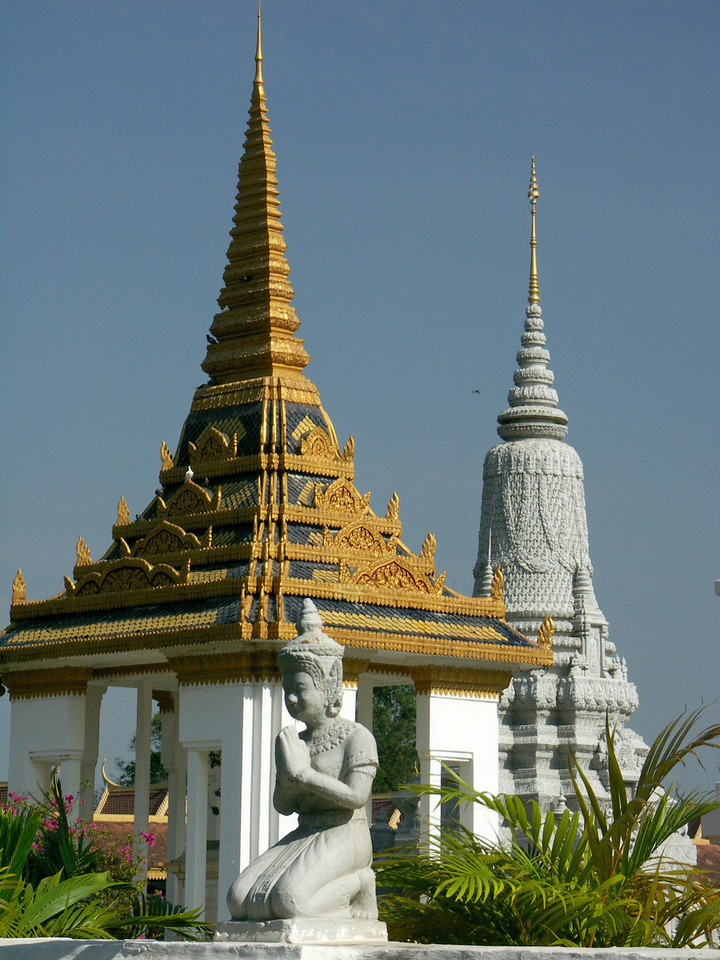National Palace & Silver Pagoda