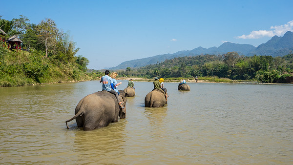 17 no Laos