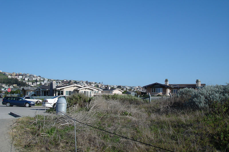 Lots of recent condo construction in Morro Bay, which, unlike Cambria, has connected with the state-wide water system.