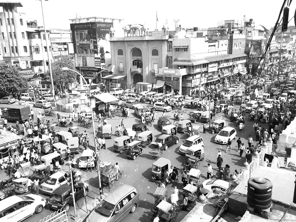 A typical intersection of chaos in Old Delhi.