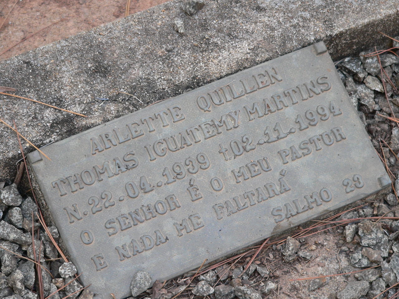 With second and third generation Confederados we see Portuguese influence in names and tombstone inscriptions.