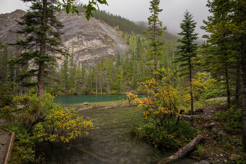 Small lake at the end of the Grassi Lakes Hike