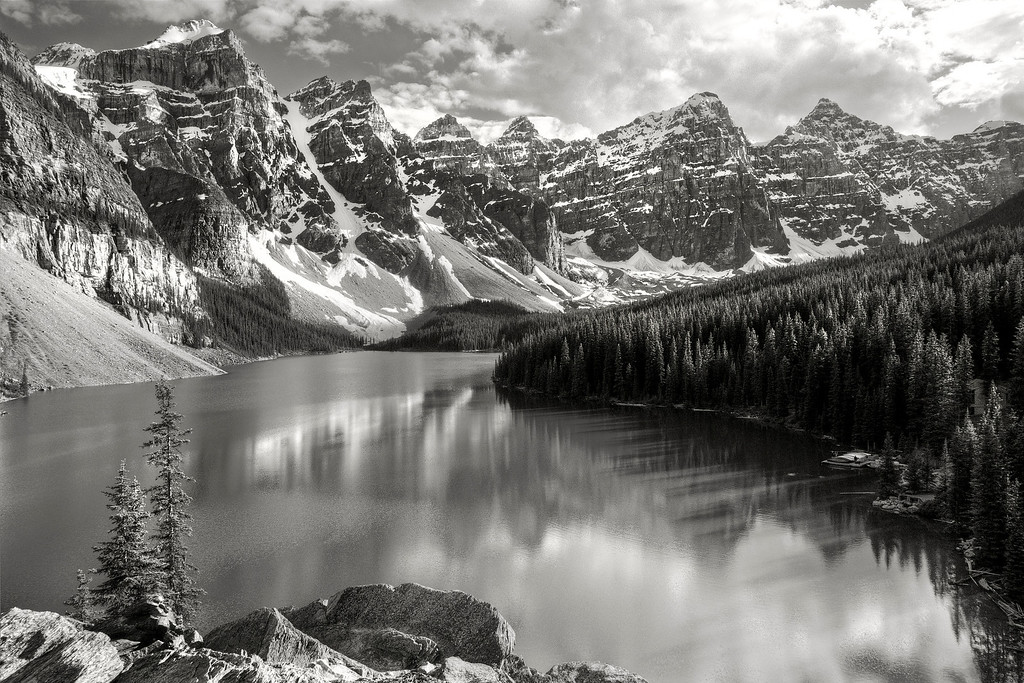 Moraine Lake B&W