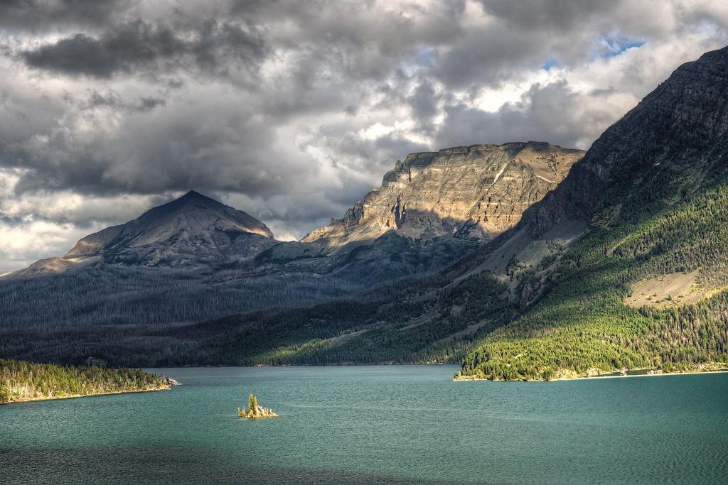 St Mary's Lake, Goose Island