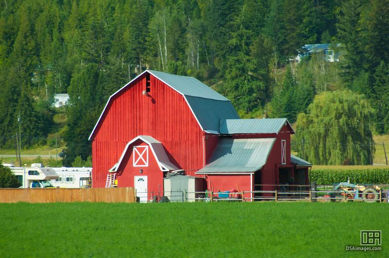 Red barn near Grindrod