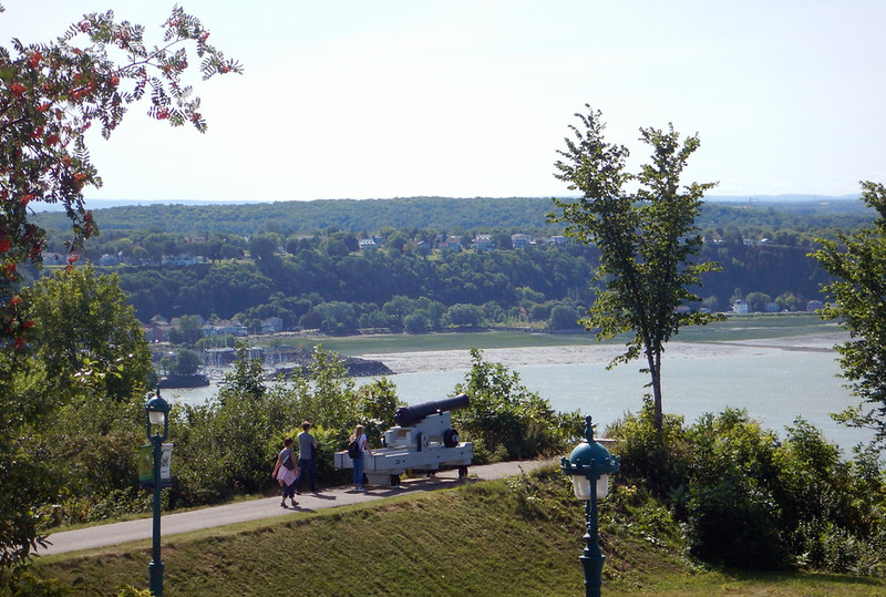 cannon and overlook at the St. Lawrence Seaway