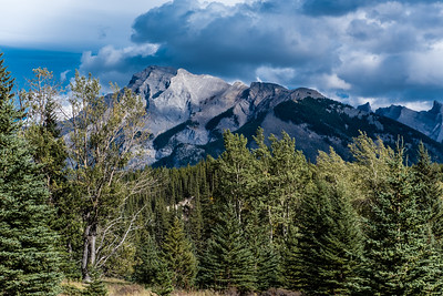 Banff's Mountain Views