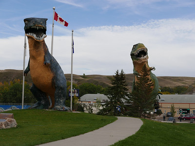 The World's Largest Dinosaur and her cousin