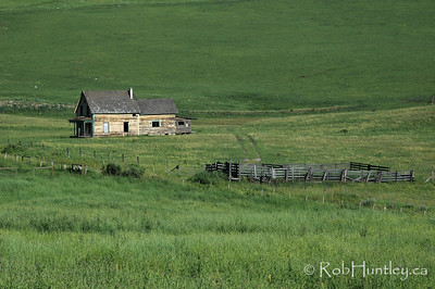 An abandoned homestead in southern British Columbia. © Rob Huntley