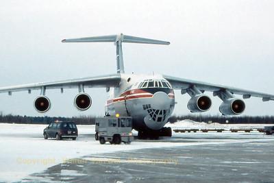 Cubana_Ilyushin_IL-76MD_xxxxx_Canada_CYMX_Feb1989_scan9_WVB_1200px