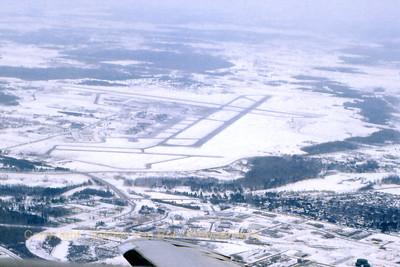 Airport_Ottawa_Canada_CYOW_Feb1989_scan1_WVB_1200px