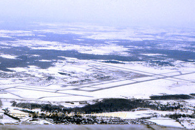 Airport_Ottawa_Canada_CYOW_Feb1989_scan4_WVB_1200px