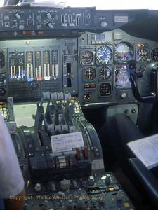 KLM_B747-206B_PH-BUD_20398-152_cockpit_Inflight_Feb1989_scan13_WVB_1024px_edit3