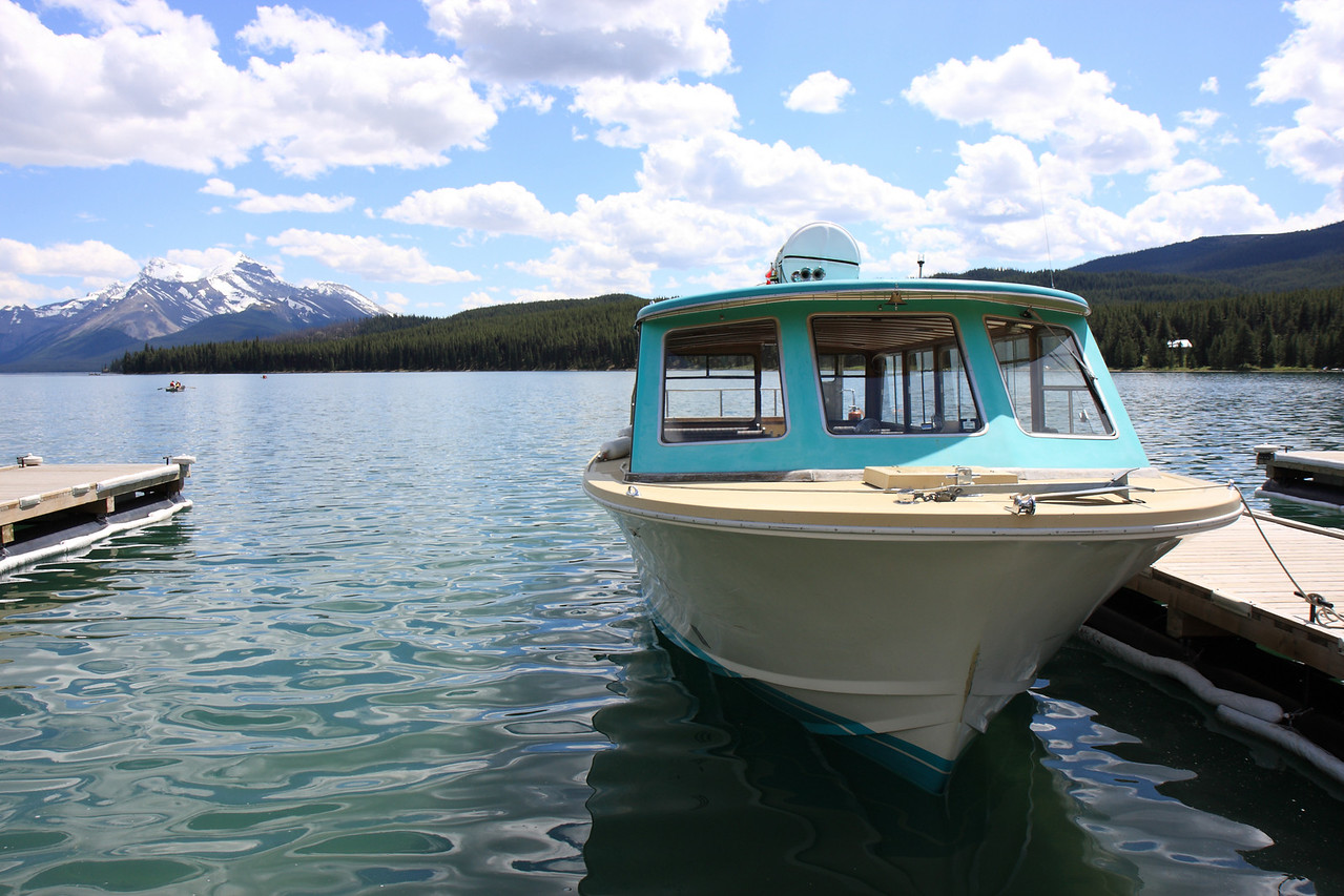 Boats at Maligne lake for Spirit Iceland boat tour