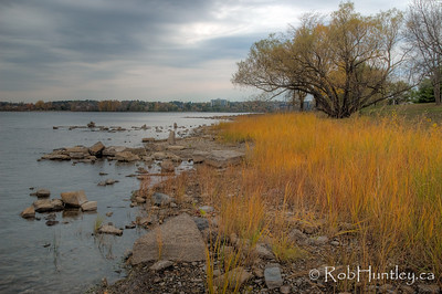 Ottawa River in the Fall - between Champlain Bridge and Remic Rapids. © Rob Huntley