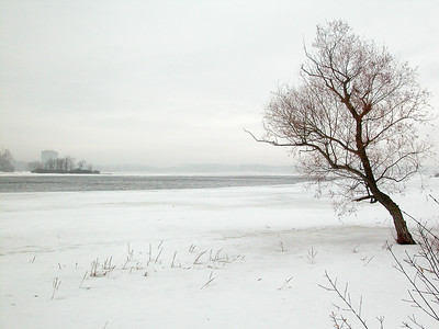 Ottawa River in Winter. © Rob Huntley