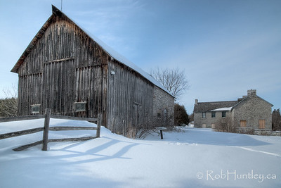 House and barn. Pinhey's Point Heritage Property and Park. © Rob Huntley