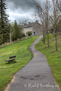 Path through the park to the heritage home. Pinhey's Point Heritage Property and Park. © Rob Huntley 2012